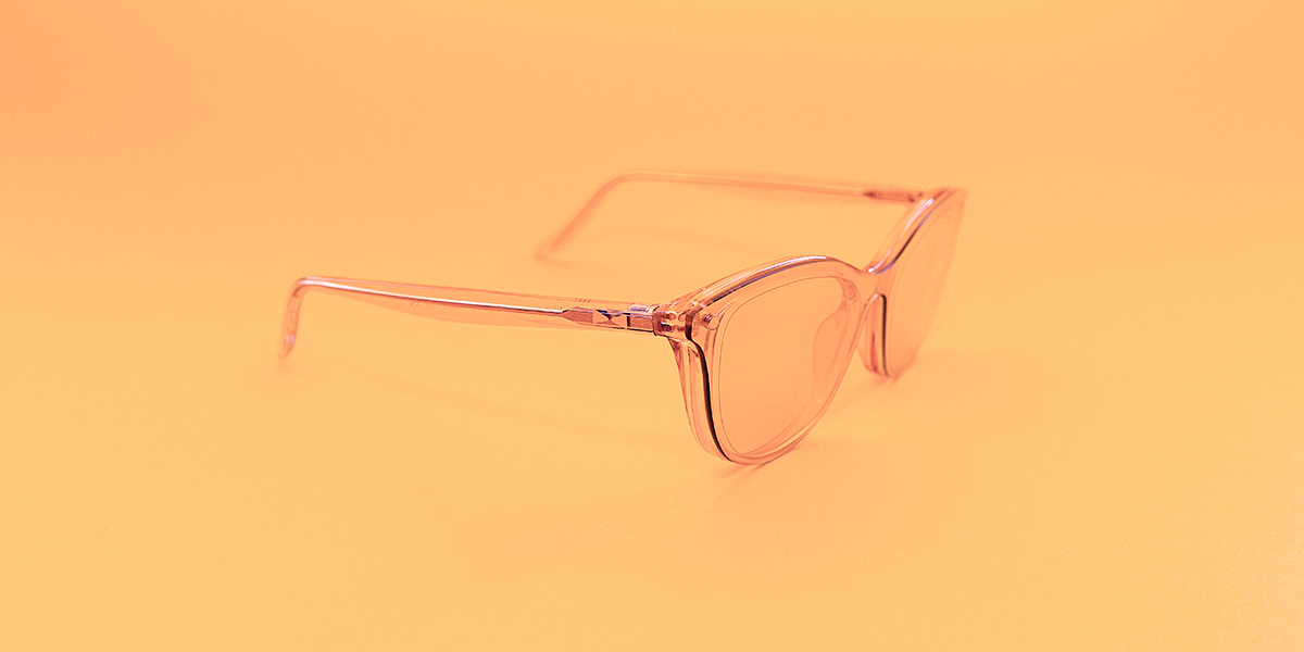 On this, we can agree: not all glasses are rosecolored.